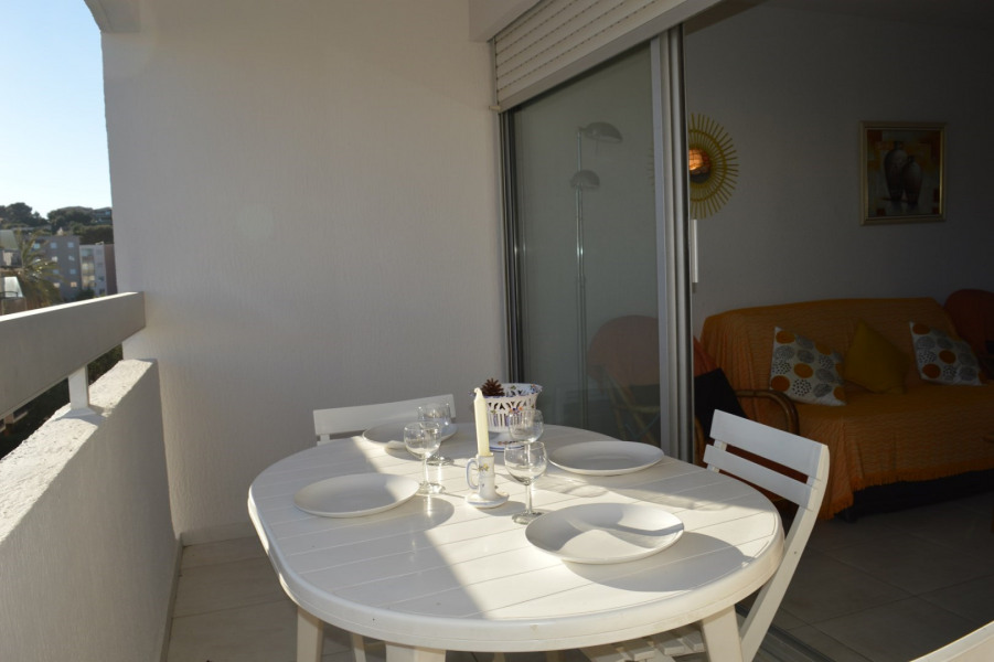 APPARTEMENT 2 PIECES 4 COUCHAGES A CAVALAIRE