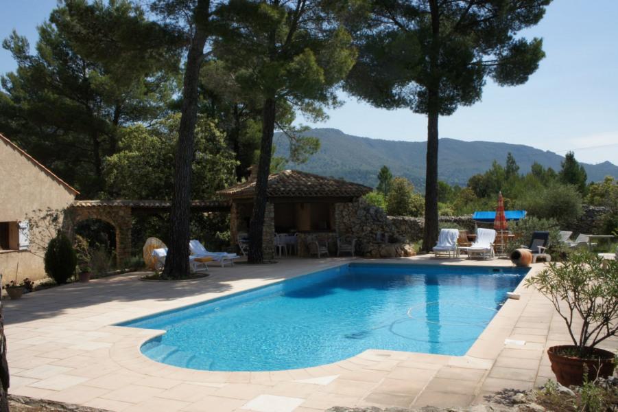 Cigale, chalet et superbe piscine privée Haut Var
