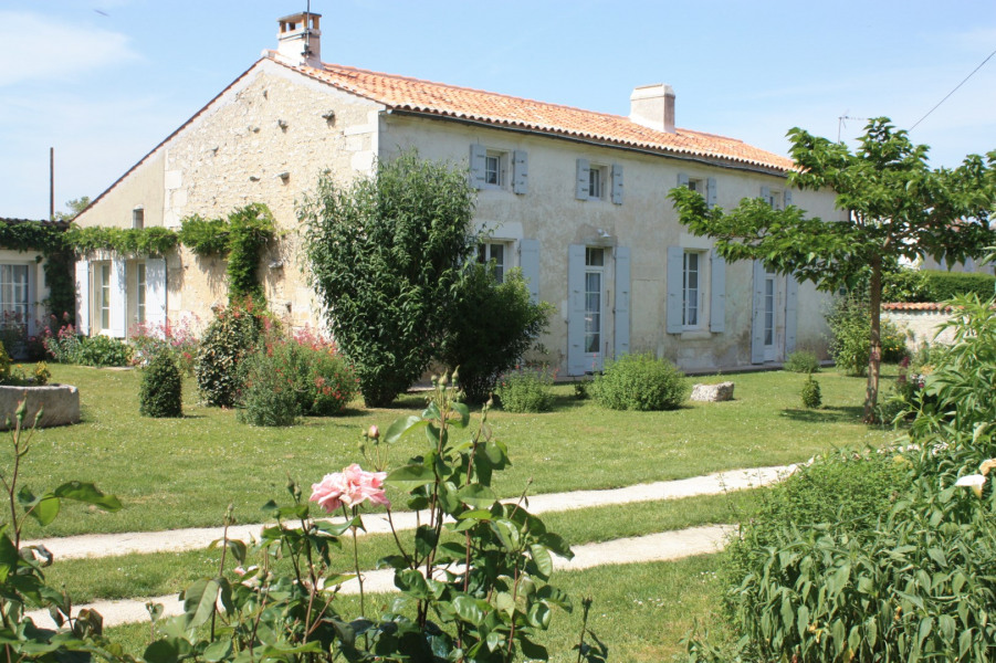 Holiday rentals Saint-Porchaire - Cottage - 6 persons - BBQ - Photo N° 1