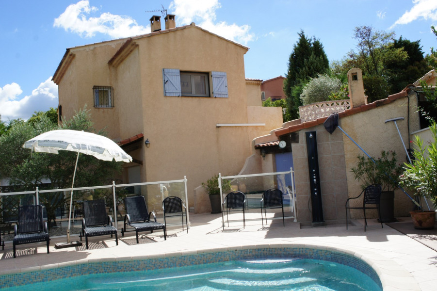 Holiday rentals Gréasque - House - 8 persons - BBQ - Photo N° 1