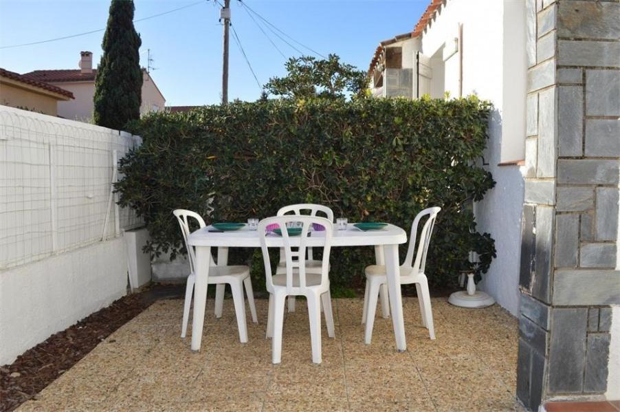 Maison 2 pièces de 30 m² pour 4 personnes situé à 200 m de la plage, cette location de maison de vacances, 2 faces et...