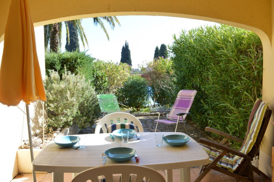 Location vacances Le Lavandou -  Appartement - 4 personnes - Jardin - Photo N° 1
