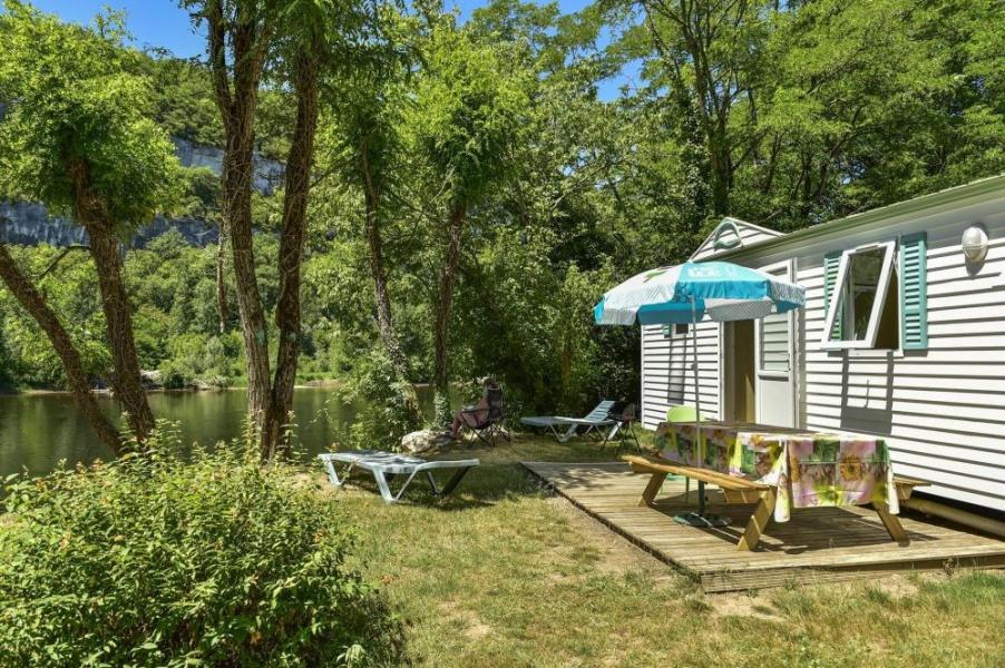 Camping LA RIVIERE, 91 emplacements, 19 locatifs