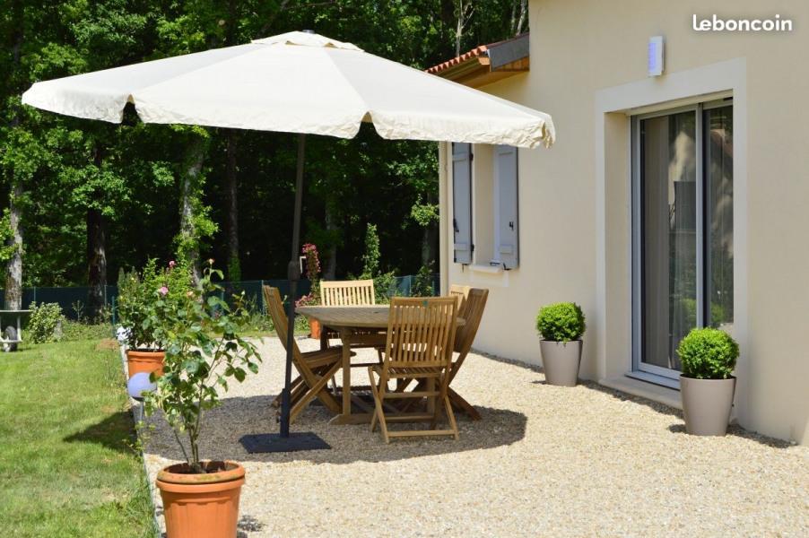 Location Villa Falgueyrat pour 6 personnes avec Piscine Privée et grand jardin .
