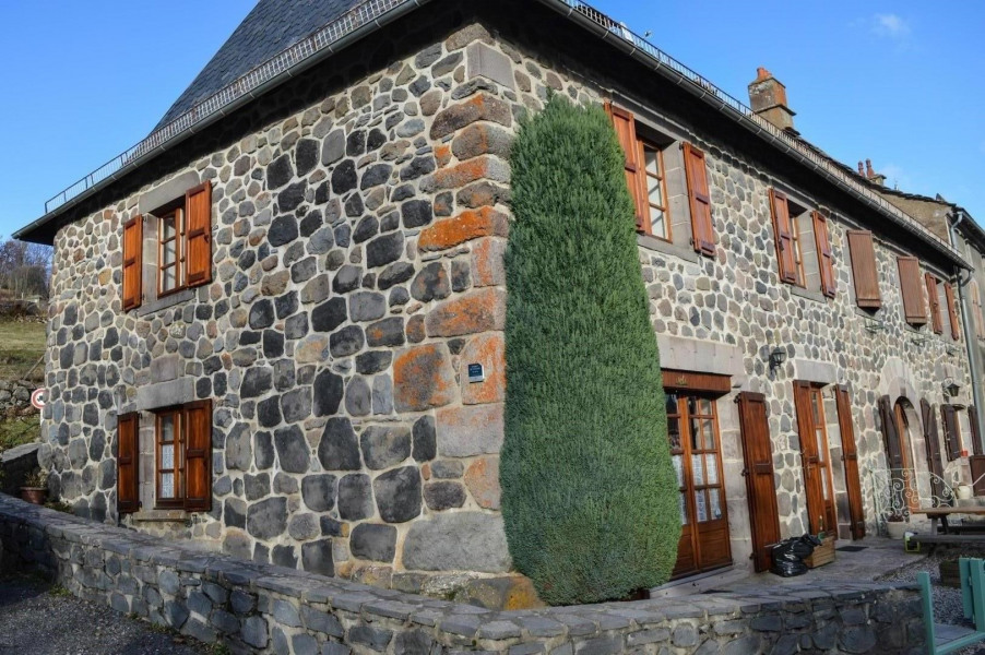Location vacances Dienne -  Maison - 6 personnes -  - Photo N° 1