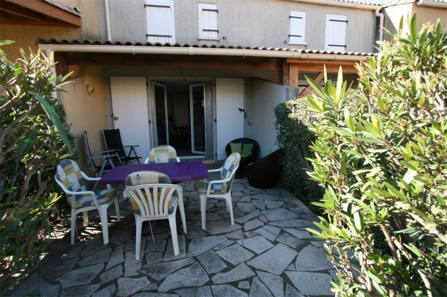 Location vacances Valras-Plage -  Maison - 4 personnes - Salon de jardin - Photo N° 1
