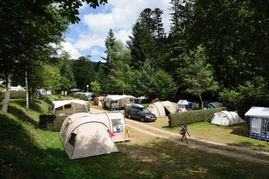 Camping de Belle Hutte, 115 emplacements, 15 locatifs