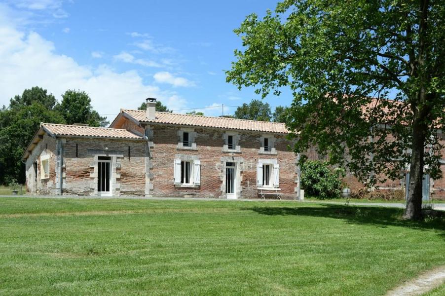 Location vacances Eygurande-et-Gardedeuil -  Maison - 6 personnes - Barbecue - Photo N° 1