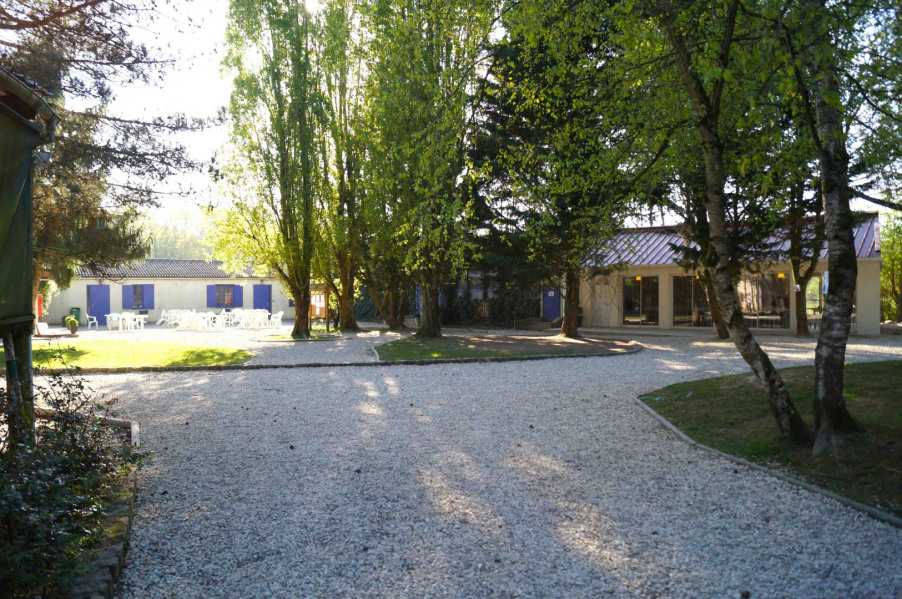 Location vacances Charny -  Gite - 50 personnes - Barbecue - Photo N° 1