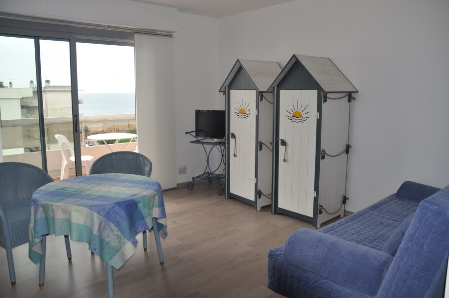 Location vacances La Baule-Escoublac -  Appartement - 2 personnes - Salon de jardin - Photo N° 1