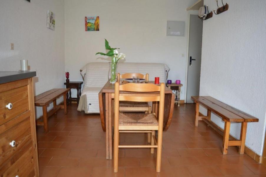 Appartement studio avec loggia de 28 m² environ pour 5 personnes situé à 500 m de la plage et à 800 m du centre animé...