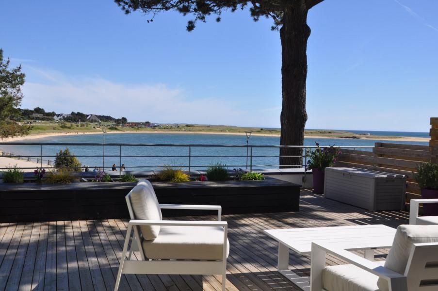 la terrasse donnant sur la mer