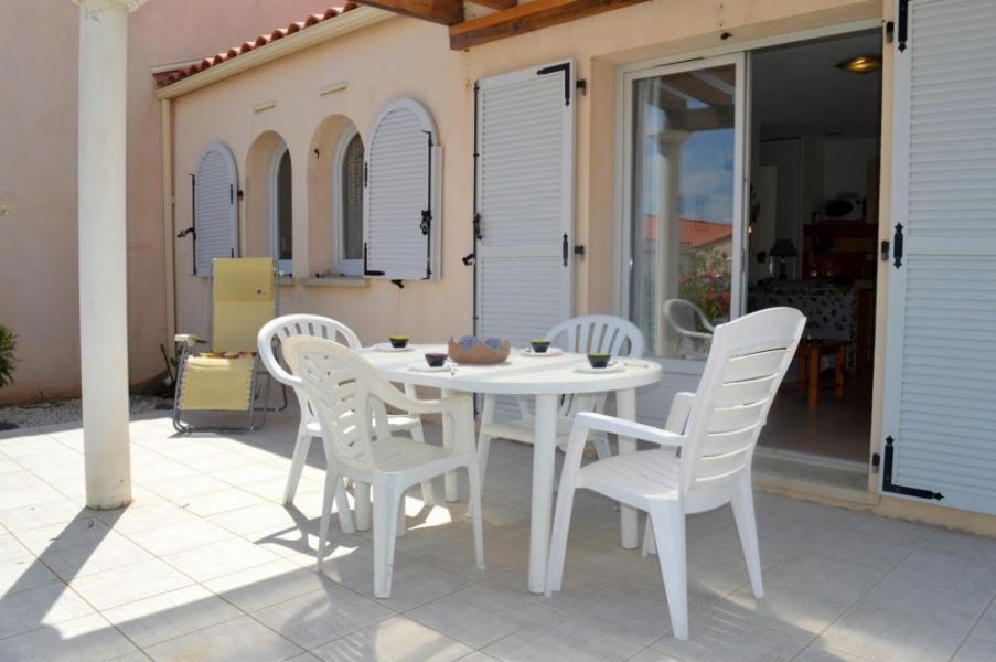 Port-Leucate (11) - Quartier naturiste - Les mas de la plage. Maisonnette 3 pièces - 42 m² environ - jusqu'à 6 person...