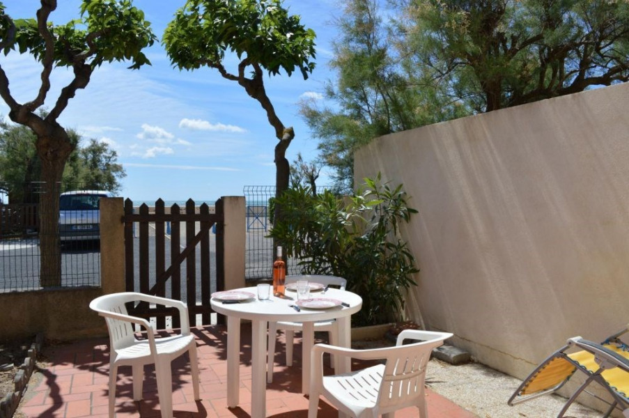 Saint Pierre la Mer (11) - Quartier du port - Rue des Goélettes. Appartement 3 pièces - 40 m² environ - jusqu'à 4 per...