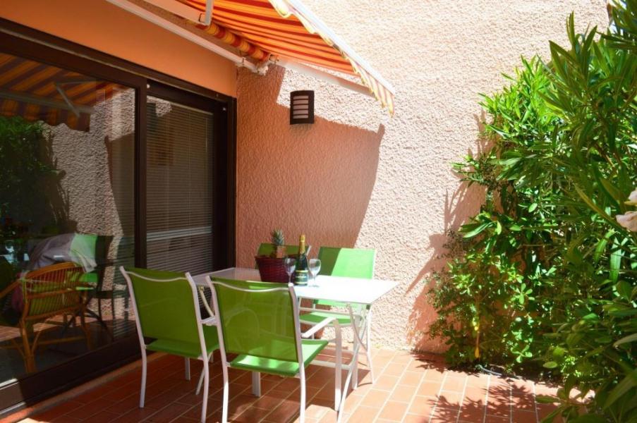 Port-Leucate (11) - Quartier naturiste - Aphrodite village. Deux pièces - 24 m² environ - jusqu'à 2 personnes.