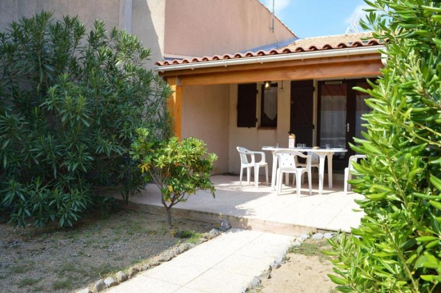 Saint Pierre la Mer (11) - Quartier de la Vigie - Résidence les Eaux Vives II. Pavillon 2 pièces mezzanine - 36 m² en...
