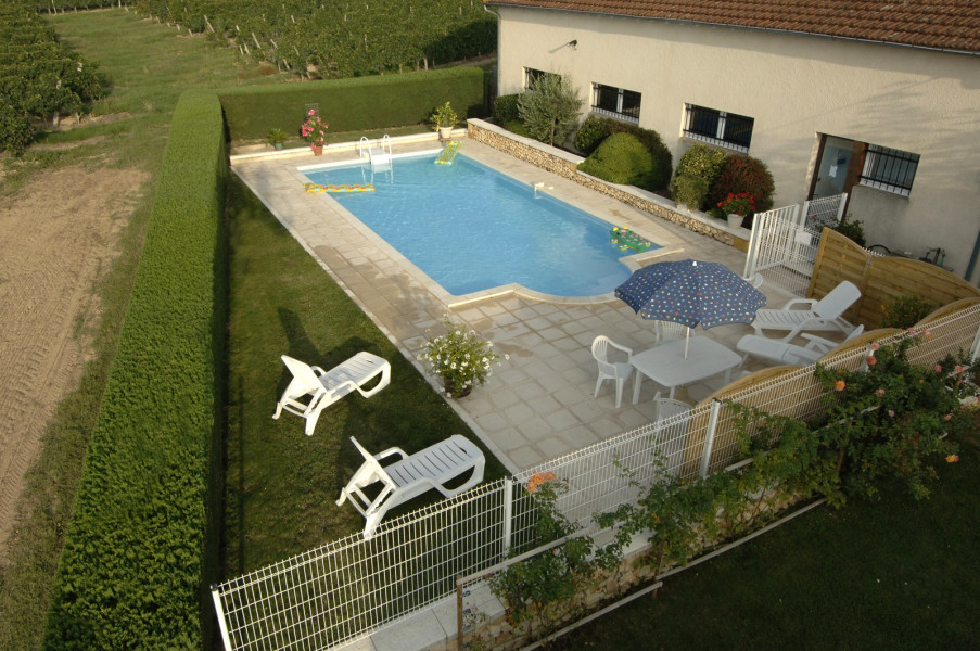Location vacances Ginestet -  Gite - 4 personnes - Barbecue - Photo N° 1