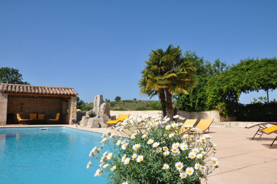 Mas  pour 12 personne(s) avec piscine de 10 x 5 sécurisée et privée sans vis a vis sur une propriété de 65 hectares