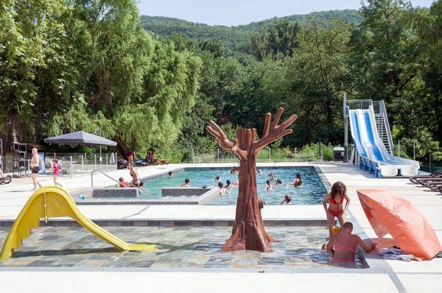 Camping Sites et Paysages LE MOULIN, 72 emplacements, 27 locatifs
