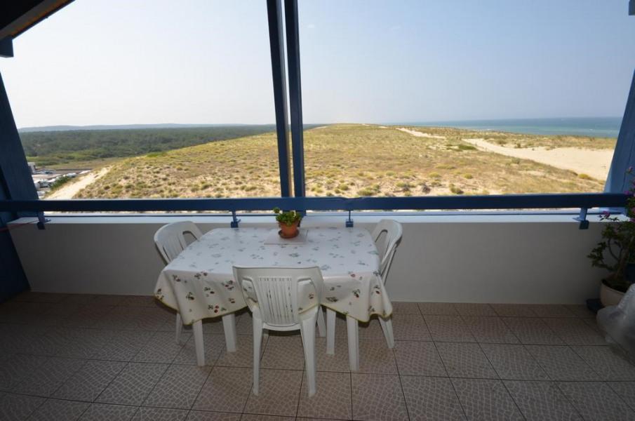 Terrasse avec vue imprenable océan, dune, forêt