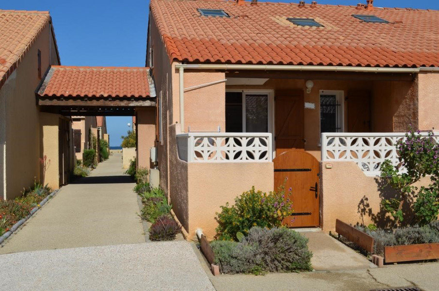 Holiday rentals Leucate - House - 6 persons - BBQ - Photo N° 1