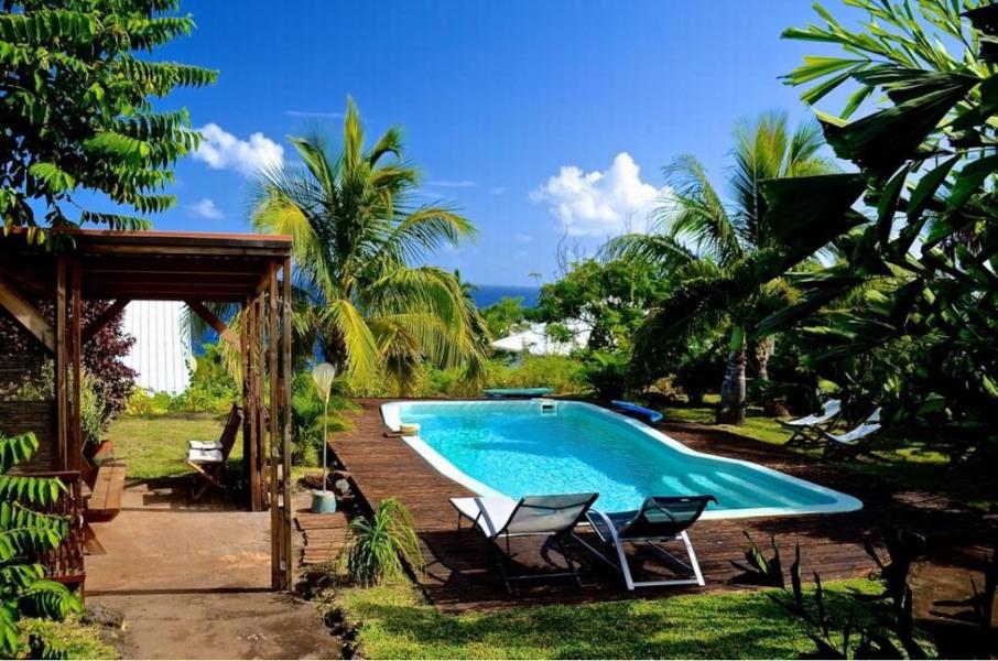 Barbecue, piscine et jardin - et l'Océan Indien de