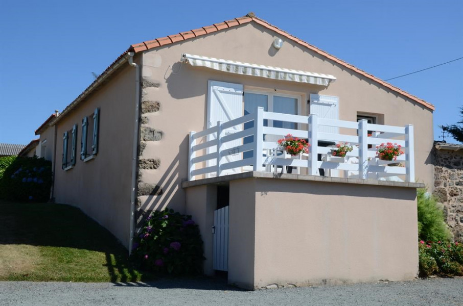 Holiday rentals Pouzauges - House - 4 persons - BBQ - Photo N° 1