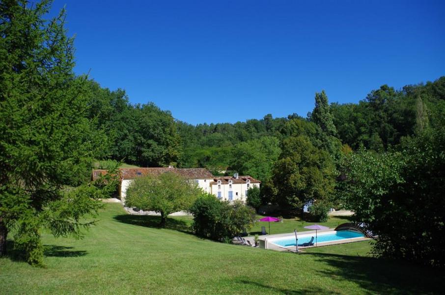 Location vacances Douzillac -  Maison - 8 personnes - Barbecue - Photo N° 1