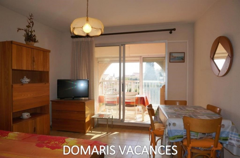 Location vacances Fréjus -  Appartement - 4 personnes - Salon de jardin - Photo N° 1