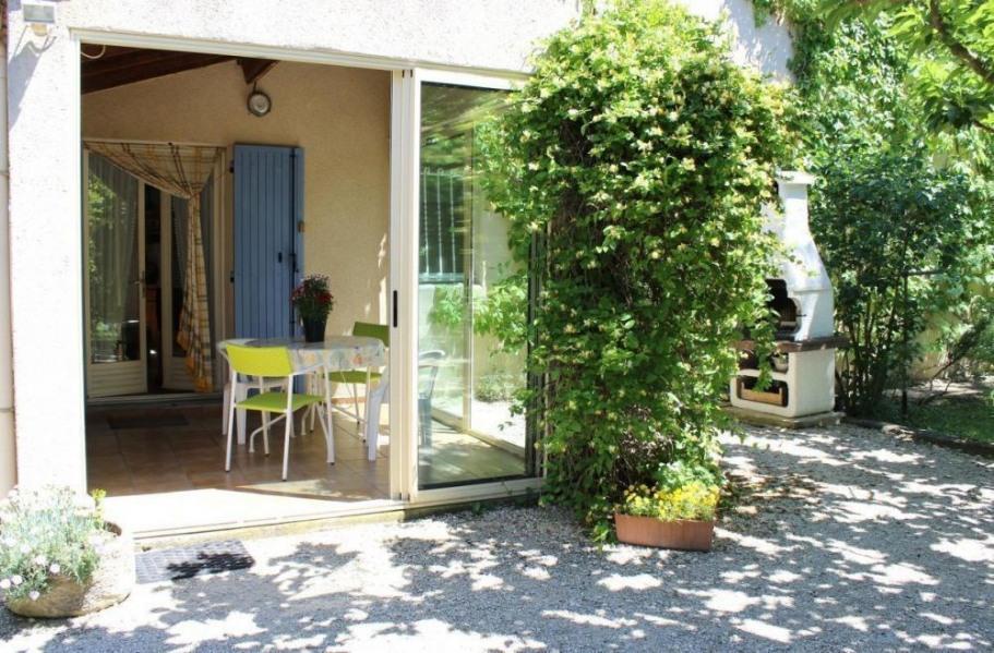 Location vacances L'Isle-sur-la-Sorgue -  Gite - 3 personnes - Barbecue - Photo N° 1