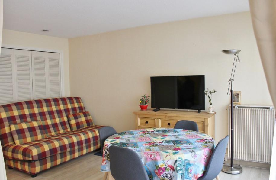 Holiday rentals Saint-Raphaël - Apartment - 4 persons - Television - Photo N° 1