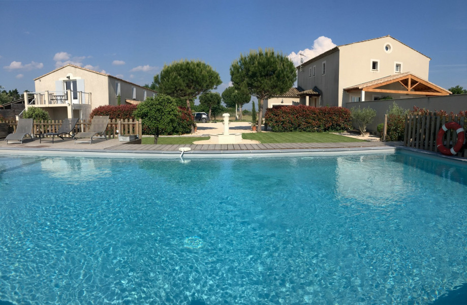 Location vacances Beaucaire -  Maison - 24 personnes - Barbecue - Photo N° 1