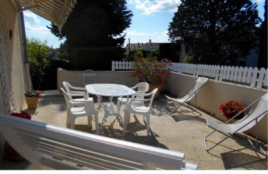 Location vacances Sarrians -  Appartement - 2 personnes - Chaise longue - Photo N° 1