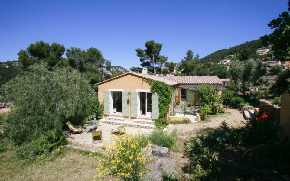 La Pinede Penchee, villa individuelle neuve avec équipement moderne et de qualité.