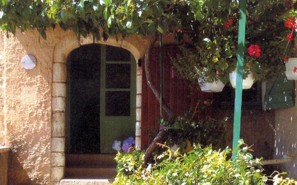 Location vacances Moissac-Bellevue -  Gite - 4 personnes - Salon de jardin - Photo N° 1