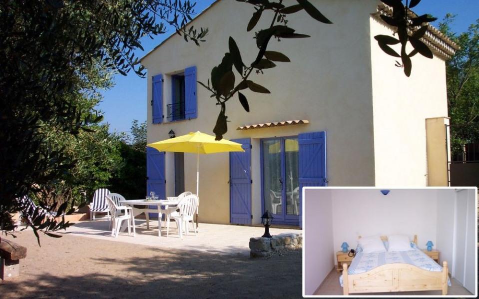 Gîtes de France Gîte Barret le Muy. A l'Orée du village, en campagne, au calme, dans un cadre agréable, joli bastidon...
