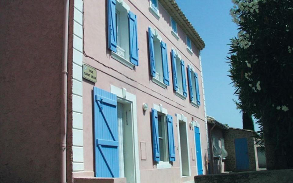 Le gîte Bertrand - Aux abords du village médiéval grande maison ancienne comprenant 2 gîtes côte à côte (G1931).