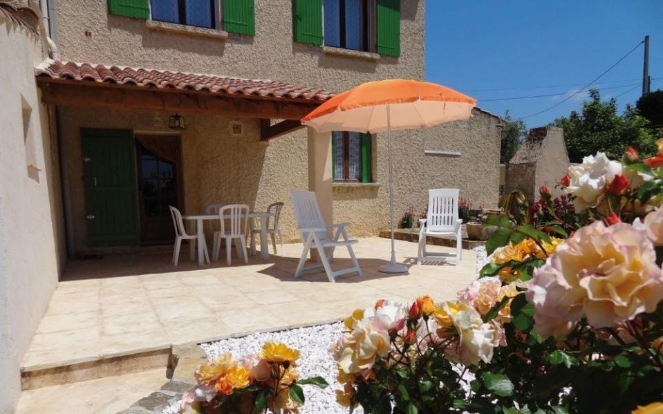 Gîtes de France Maison calme dans les vignes. A seulement 5 km des plages, gîte situé au rez-de-chaussée de la maison...
