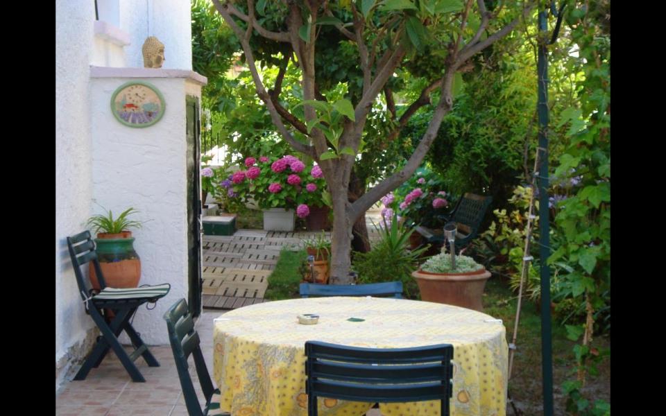 Location vacances Hyères -  Appartement - 3 personnes - Barbecue - Photo N° 1