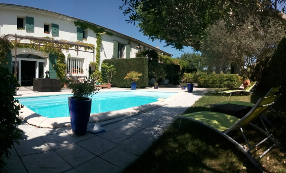 HOUSEFARM IN PROVENCE - Saint Andiol
