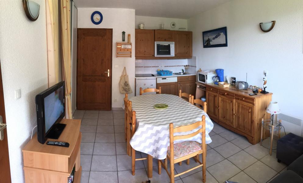 salle avec coin cuisine