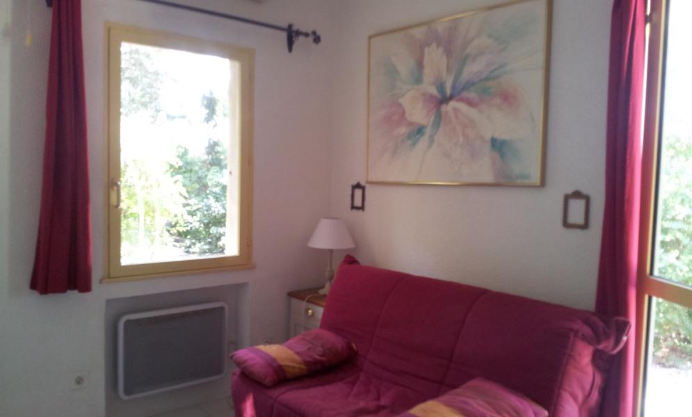 Location vacances Hyères -  Gite - 4 personnes - Chaise longue - Photo N° 1