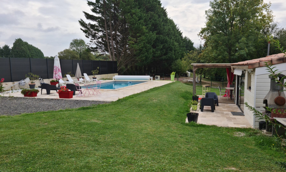 Location vacances Boisredon -  Maison - 6 personnes - Barbecue - Photo N° 1